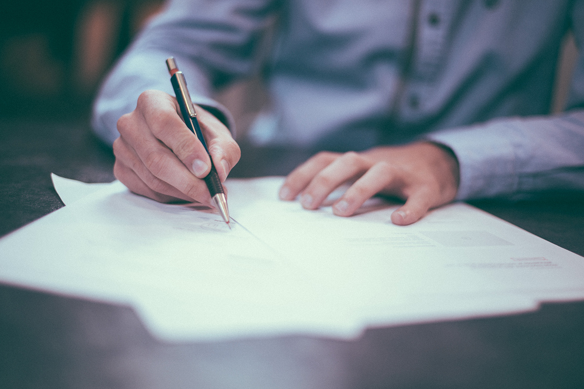 three changes to trade secrets law you should know Bracepoint Law blog post header image signing papers